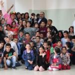 رئيس بلدية أم الفحم الشيخ خالد يشارك أطفال مخيم الربيع فرحتهم