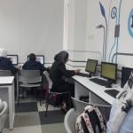 الجماهيري يعد دورة في مجال الحاسوب والفنون لطلاب الثانوية