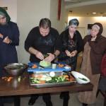 """النسوة الأعضاء في الدواوين الثقافية بالمركز الجماهيري في زيارة """"لبيت الجودة"""""""