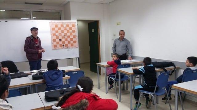 الجماهيري يفتتح دورة شطرنج جديدة لطلاب جيل البستان