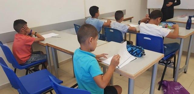 الجماهيري يفتتح مجموعة من الدورات الرائدة للطلاب