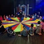 الجماهيري يختتم فعاليات مخيم الشتاء بحفل فني وتوزيع هدايا