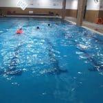 قسم الشبيبة بالجماهيري يختتم دورات تعليم السباحة للطالبات